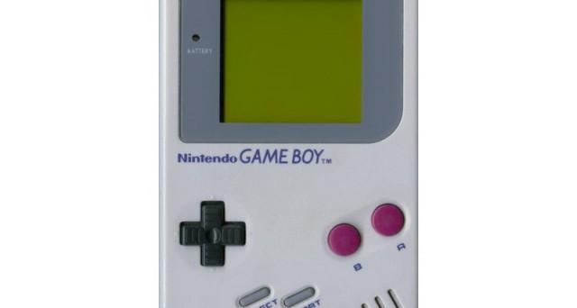 Il 21 aprile 1989 fece la sua comparsa nel mercato nipponico il Game Boy: qualche anno più tardi, la console portatile Nintendo andò alla conquista del mondo. Buon compleanno, Game Boy!