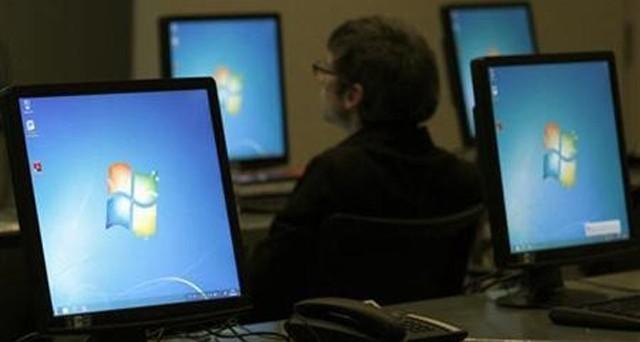 Internet Explorer è sotto attacco: una falla consentirebbe di rubare informazioni e dati sensibili agli utenti che utilizzano tale browser. Primo vero pericolo anche per Windows XP, che tuttavia non verrà risolto da Microsoft.