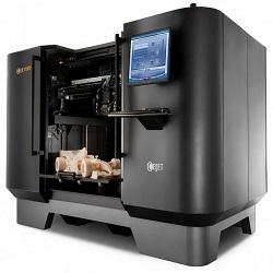 Chissà se il 2014 sarà l'anno della consacrazione ufficiale delle stampanti 3D. Non è un caso che al CES 2014 abbiano una sezione a loro interamente dedicata. Per capire le ragioni di un successo, andiamo a scoprire cosa sono e cosa stampano le nuove Replicator presentate da MakerBot a Las Vegas.
