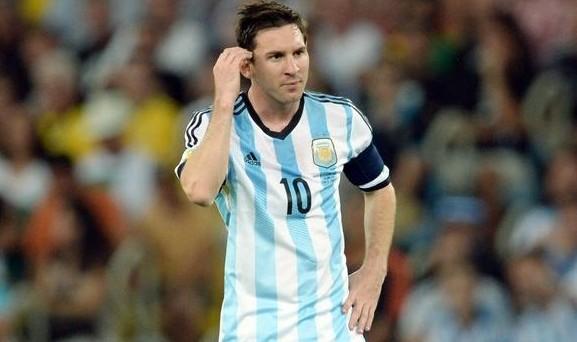 Chi vincerà la finale dei Mondiali 2014, Siri o Cortana? Eh sì, perché sembra che a disputarsi la finale non siano solo Argentina e Germania ma anche i due assistenti vocali che hanno predetto vincitori diversi...