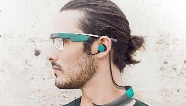 Lenovo C1 è il nuovo progetto della società cinese che farà concorrenza ai Google Glass: si parla di occhiali intelligenti che opereranno anche nell'ambito della domotica e che saranno annunciati a ottobre.