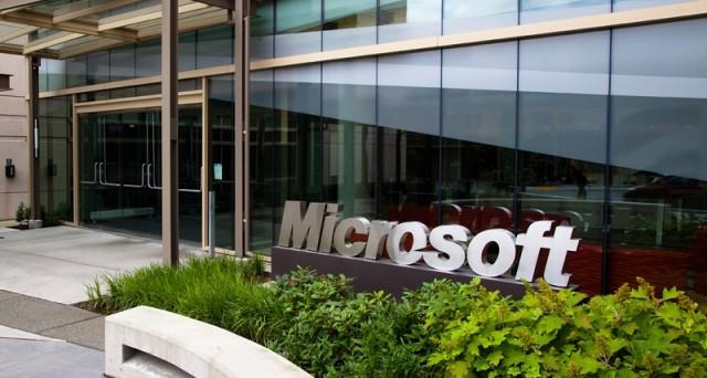 Licenziamenti in arrivo in casa Microsoft dopo l'incorporamento con Nokia: come cambiano i piani dell'azienda e chi ne pagherà le conseguenze (oltre ai dipendenti)?