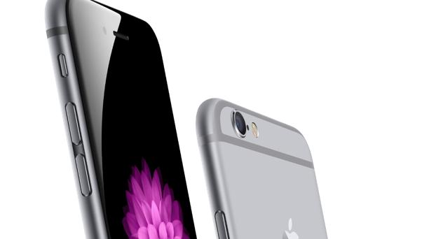iPhone 6 e iPhone 6 Plus potranno essere acquistati online da venerdì 26 settembre, ma non tutti potranno averlo tra le mani il primo giorno. Negli Stati Uniti, intanto, si è già registrato il primo tutto esaurito.