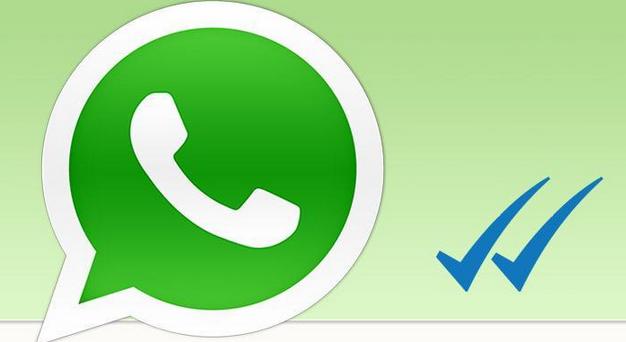 La doppia spunta blu di WhatsApp che notifica la lettura del messaggio inviato ha scatenato l'ironia sul web: abbiamo raccolto solo alcuni tra i migliori fotomontaggi che circolano sulla rete, che fanno ridere e al tempo stesso riflettere.