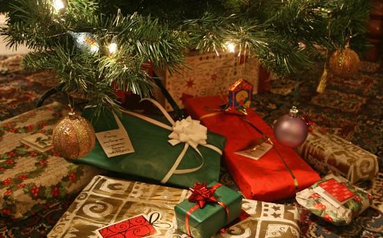 Gadget, accessori, dispositivi indossabili e non: se non volete regalare smartphone, tablet o notebook, ma avete intenzione di restare sul fronte tech per i vostri regali di Natale 2014, date un'occhiata a questi dispositivi.