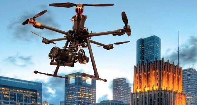 La CNN impiegherà dei droni er coprire al meglio eventi sportivi, di spettacolo e di attualità: l'accordo stretto tra l'emittente americana e la FAA è un'ulteriore dimostrazione di come il drone journalism sia solo all'inizio.