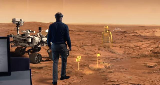 Microsoft sta lavorando a un sistema che mescolerà realtà virtuale e realtà aumentata, tramite la piattaforma Holographic e il visore HoloLens, dando vita a una nuova realtà immersiva.