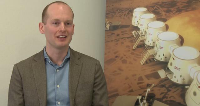 E se Mars One fosse solo una truffa? La confessione di un candidato sembrano rafforzare lo scetticismo della comunità scientifica, anche se il CEO del progetto Bas Lansdorp continua a difenderlo.