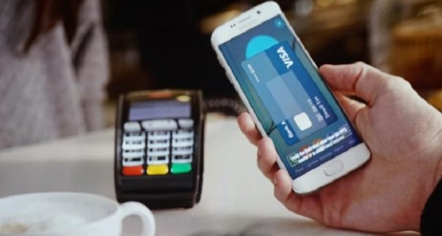 Samsung Pay è l'altra grande novità di Samsung, il sistema di pagamento elettronico tramite dispositivo mobile che mette paura ad Apple Pay.