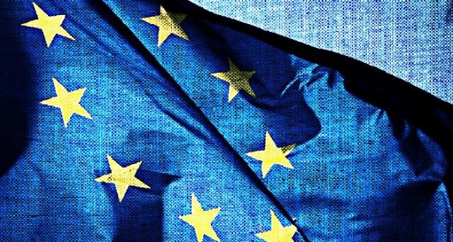 Dopo 12 ore di maratona negoziale è stato raggiunto l'accordo per l'abolizione del roaming Ue, che avverrà a metà giugno 2017.