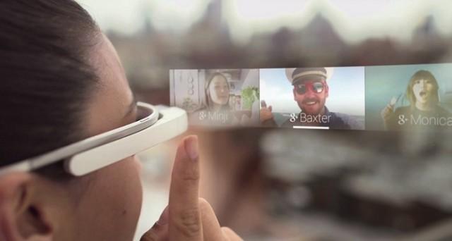 La nuova generazione dei Google Glass prevede novità sotto l'aspetto hardware e probabilmente anche riguardo al target di riferimento.