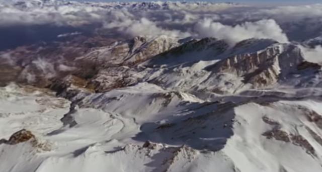 Volete viaggiare sulle catene montuose delle Himalaya senza muovervi da casa? Godetevi questo video panoramico realizzato dai ragazzi di 360 Video.