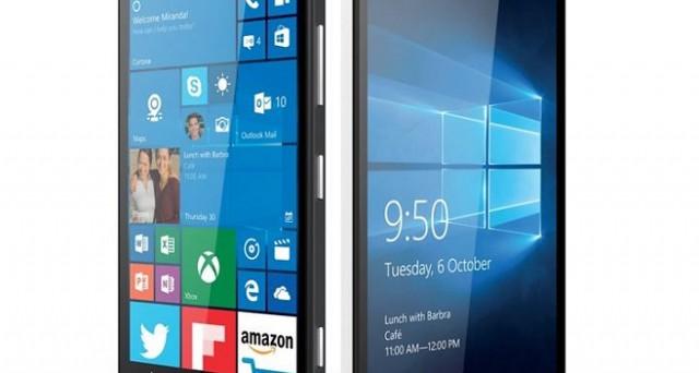 I due nuovi smartphone Windows 10 Lumia 950 e Lumia 950 XL sono finalmente ufficiali: ecco prezzo e scheda tecnica.