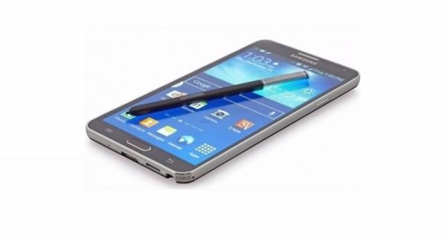 Samsung Galaxy Note 5 potrebbe uscire prima del previsto in Italia, presumibilmente entro Natale.