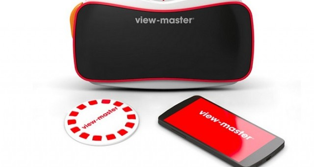 View Master è disponibile negli Stati Uniti a partire da 30 dollari: per il momento sarà possibile sfruttarlo con 3 esperienze tramite l'app Google Cardboard e dispositivi Android e iOS.