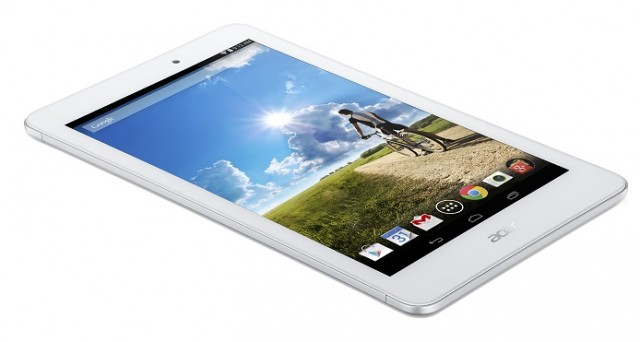 Continuiamo la nostra guida tech ai regali di Natale 2015: stavolta vi elenchiamo i migliori tablet low cost sotto i 200 euro.