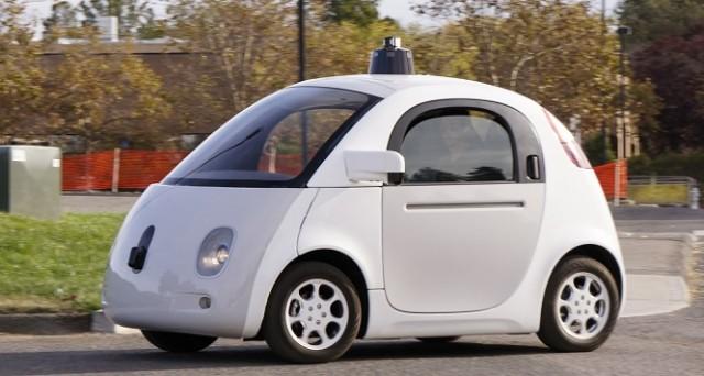 Le auto a guida autonoma sono sicure? E, più nel dettaglio, quanto lo sono le Google Car? I primi dati su tale argomento vengono diffusi proprio direttamente da Big G.