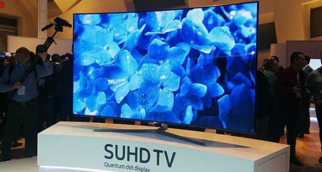 Samsung ha annunciato sul palcoscenico del CES 2016 di Las Vegas il suo nuovo frigorifero intelligente e la nuova serie di Smart TV, dando primaria importanza all'Internet of Things.