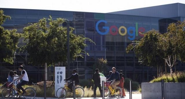 Google sta preparando un nuovo visore per la realtà virtuale, utilizzabile tramite smartphone Android: sarà il successore del Cardboard e uscirà entro la fine del 2016.