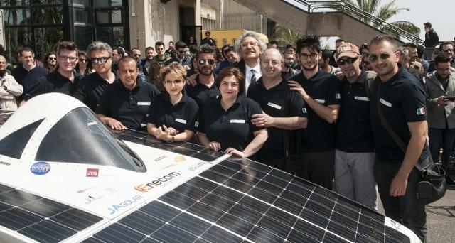 Archimede Solar Car 1.0 è un'auto elettrica innovativa alimentata a energia solare: ecco come funziona e perché può essere importante per il settore.