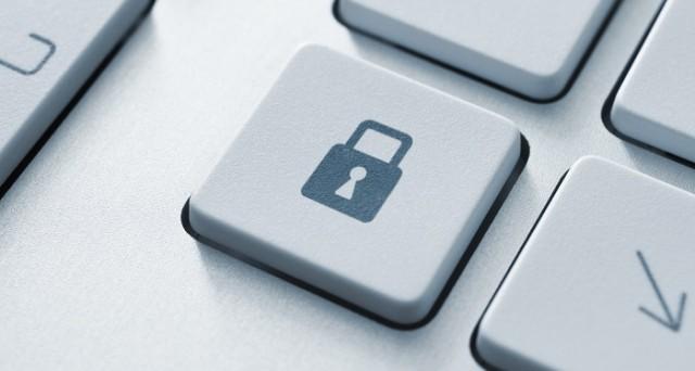 Scovata falla nei siti degli hotel, rischio sicurezza alto, ecco come difendersi da problemi di privacy.