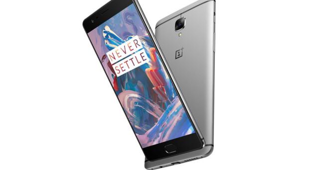 Presentato ad inizio del mese di giugno, il nuovo OnePlus 3 si sta rapidamente affermando come uno degli smartphone Android di maggior interesse del momento soprattutto grazie ad un ottimo rapporto qualità/prezzo. Il device potrebbe presto arrivare sul mercato in una inedita versione phablet dotata di un display più grande rispetto ai 5.5 pollici del […]