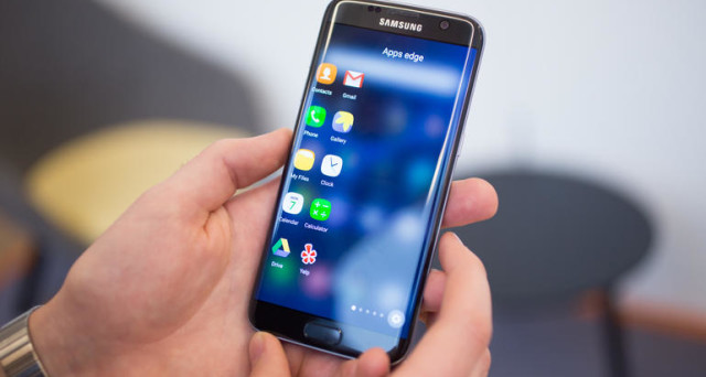 Un piccolo chiarimento sui firmware XXU1DQD7 e XXU1DQE7 per Samsung Galaxy S7 Edge: le differenze, le news, le tempistiche e i problemi.