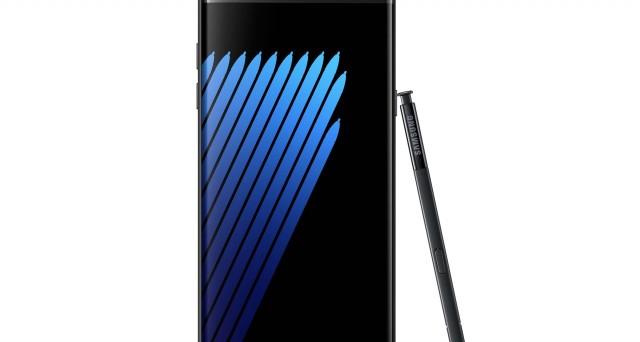 Il primo 'unboxing' del Samsung Galaxy Note 7 e il confronto con l'iPhone 7: le osservazioni, i pregi e (anche) i difetti dei nuovi top gamma.