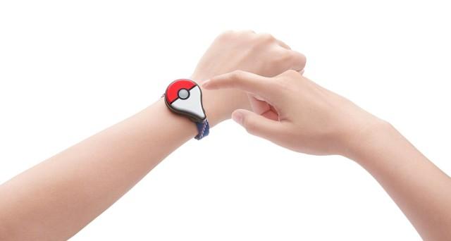 Non solo arriva l'aggiornamento Pokémon GO 0.37, ma il 16 settembre giunge il bracciale Pokémon GO 'Plus': i dettagli, le novità e la strategia della Niantic.