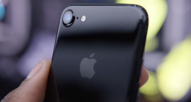Nonostante sia uscito sei mesi fa, iPhone 7 Plus supera Galaxy S8, LG G6, OnePlus 3T e Google Pixel in questo video. Ecco le offerte online a prezzo ribassato.