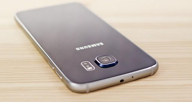 Ecco le offerte da volantino Mediaworld ed UniEuro per l'acquisto degli smartphone iPhone SE, Huawei P9 Lite,Huawei P9 e Samsung Galaxy S6 .