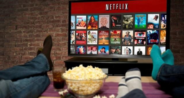 Come scaricare i contenuti su microSD (su Android) e il catalogo Netflix del mese di febbraio, aspettando Narcos 3, Suburra e Stranger Things 2.