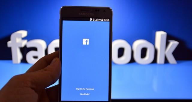 Facebook mette a disposizione dei suoi utenti diversi strumenti per tutelare la privacy e nascondere le proprie foto