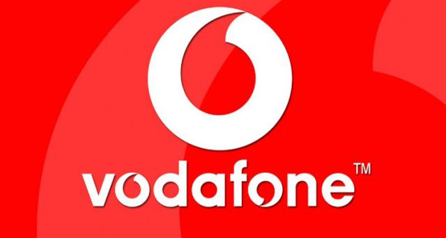 Confronto offerte Vodafone e offerte TIM su Galaxy S8 e S8 Plus: 0 euro con abbonamento e altre soluzioni con minuti illimitati e fino a 8 GB di internet.