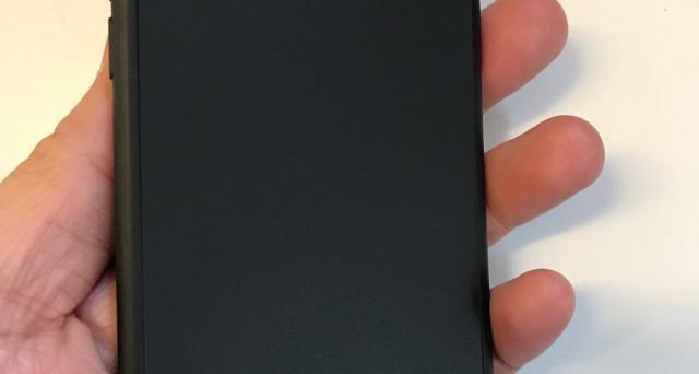 Si parla di carenze di scorte ma se vuoi essere il primo ad avere tra le mani iPhone 8, bisogna che tu spenda 160 dollari. In che senso? News e boutade.
