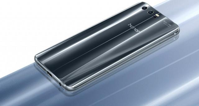 Huawei fa concorrenza a se stessa: Honor 9 è un Huawei P10 a prezzo scontatissimo. Ecco il confronto sulla scheda tecnica. Quale acquistare?