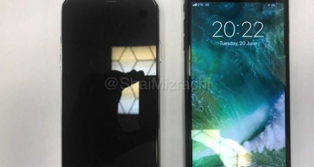 Si continua a parlare di iPhone 8: compare una dummy unit e in più sembra partire la rivoluzione con Realtà Aumentata e fotocamera 3D. News e rumors.