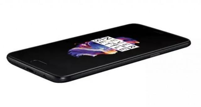 Di OnePlus 5 si è detto tutto e le polemiche non sono mancate: questo video, intanto, mostra la reale potenza di fuoco della versione da 8 GB.