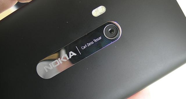 Nokia ritorna al suo glorioso passato: la partnership con Zeiss fa già tremare Apple e Samsung