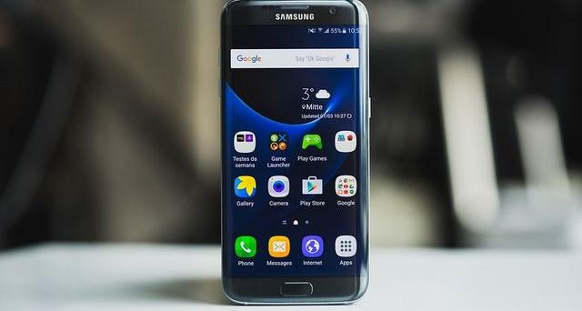 Ecco le migliori offerte su Samsung Galaxy S7, il Galaxy J5, il Galaxy J3, il Samsung Galaxy S7 Edge e l'A3 2017 Edition da volantino Expert ed Euronics.