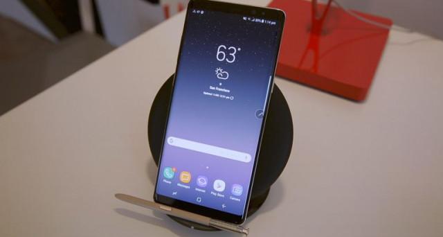 Offerte Galaxy Note 8, la caccia al prezzo più basso per il nuovo phablet di casa Samsung. Ricapitoliamo anche la scheda tecnica del device.