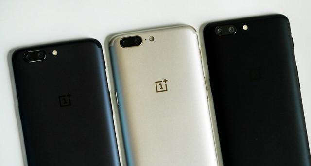 Rumors OnePlus 5T, la casa cinese si prepara al lancio del nuovo top di gamma. Uscita anticipata, indiscrezioni scheda tecnica e prezzo dello smartphone.