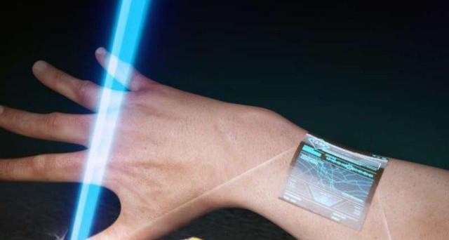Nuovi cristalli biocompatibili da installare sulla pelle, ecco la nuova frontiera del mondo tech che ci consentirà di avere anche tatuaggi animati.