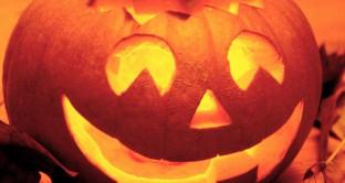 Halloween su WhatsApp, stickers e frasi divertenti per la festa delle streghe