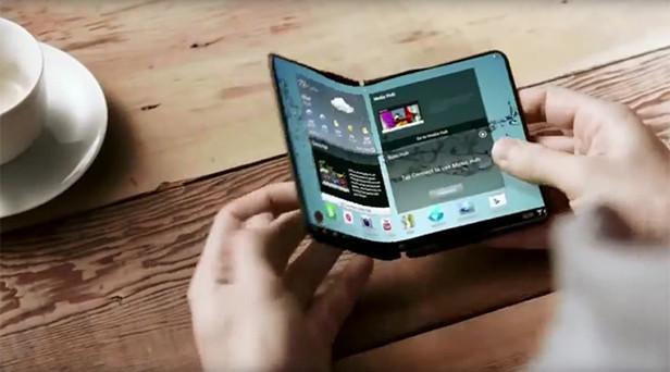 Rumors Samsung Galaxy X, lo smartphone pieghevole è l'obiettivo di molti. L'azienda sudcoreana dovrà vedersi dalla fitta concorrenza.