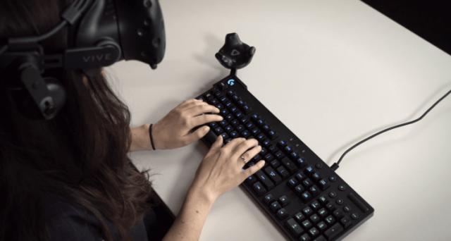 Logitech presenta un nuovo kit per la realtà virtuale. Prezzo, uscita e caratteristiche del prodotto. Il costo non è per tutti. Solo 50 esemplari disponibili.