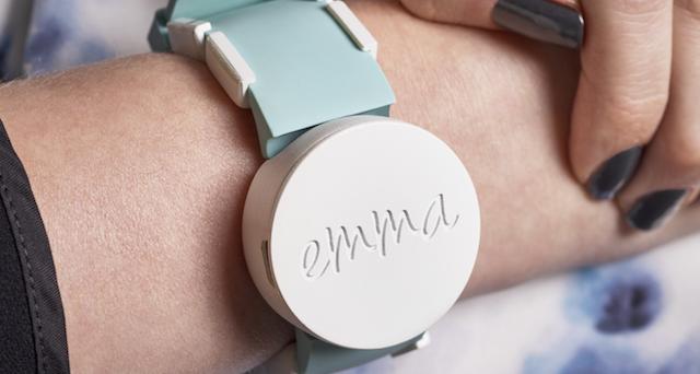 La tecnologia e la scienza continuano la lotta al morbo di Parkinson. Ecco alcuni wearable che aiutano i malati ad affrontare le azioni quotidiane.