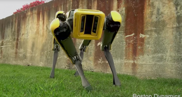 SpotMini, il cane robotico di Boston Dynamics ora è meno inquietante, ecco il video