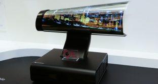 Smart Tv LG che si arrotola come un giornale, 65 pollici di flessibilità assoluta