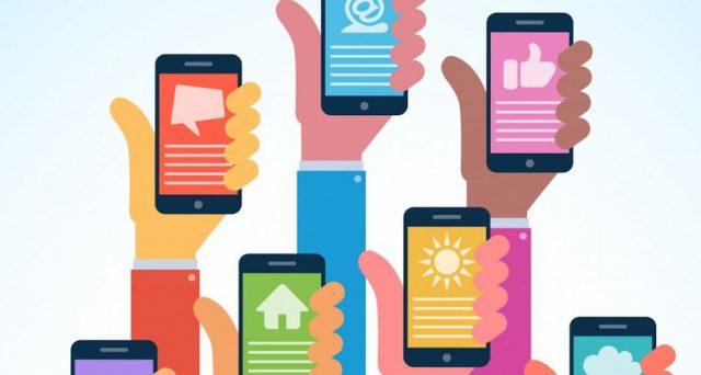 Ecco una ricca carrellata di app da avere sul vostro smartphone e utilizzare per viaggi e vacanze. Le migliori applicazioni per Android e iOS.